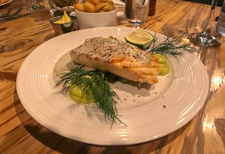 Salmon, Poivre Noir, Kigali