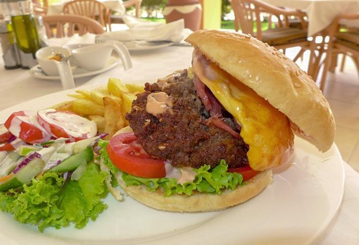 La Terrace, Hotel des Mille Collines, Best Burger in Kigali