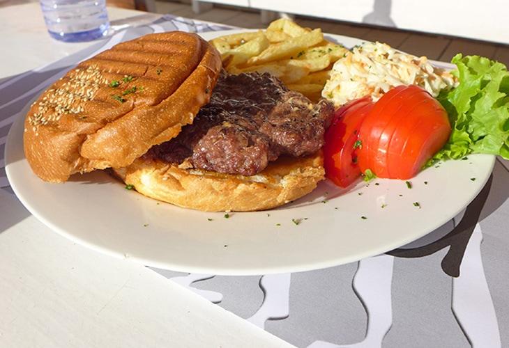 Burger, Pili Pili, Kigali