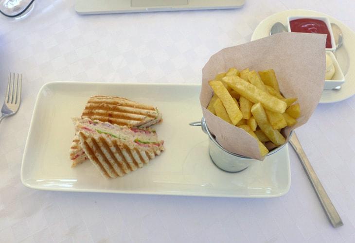 Tuna Sandwich, Ubumwe Grande, Kigali