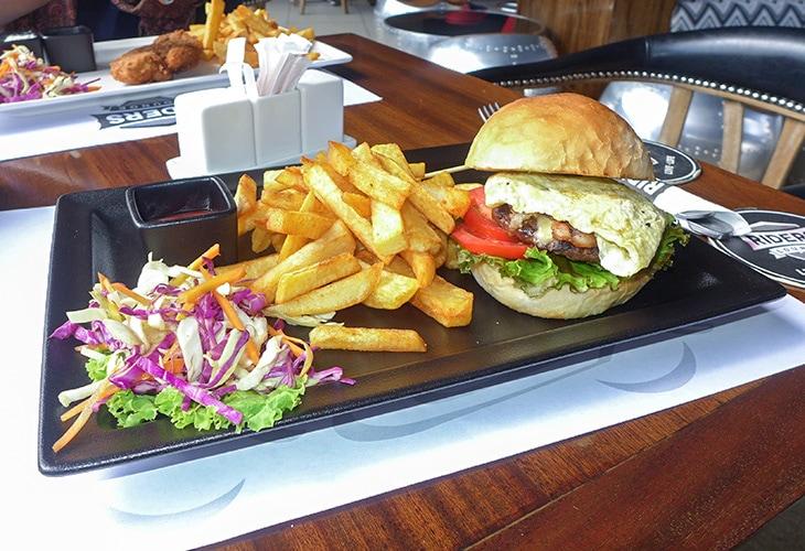 Burger, Rider's Lounge, Kigali