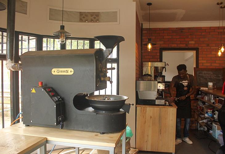 Roaster, Question Coffee, Kigali